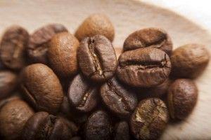 ארוחת בוקר בריאה עם קפה